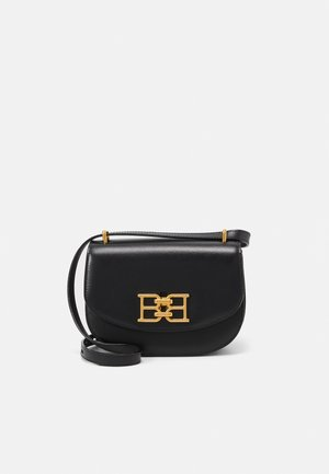 CHAIN MINI BAG - Across body bag - black
