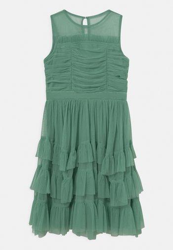 SLEEVELESS RUFFLE DRESS - Cocktail dress / Party dress - clover green