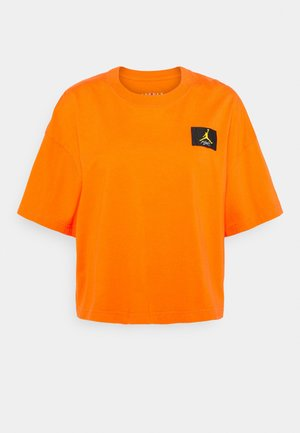 ESSENTIAL BOXY TEE - Print T-shirt - electro orange