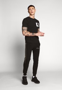 Kent & Curwen - ROSE PATCH ICON - Camiseta estampada - black - 1