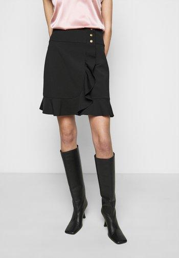 CHIACCHIERONE GONNA - Áčková sukně - black