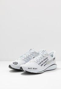 Nike Performance - AIR ZOOM VOMERO 14 - Zapatillas de running neutras - pure platinum/black/reflect silver - 2