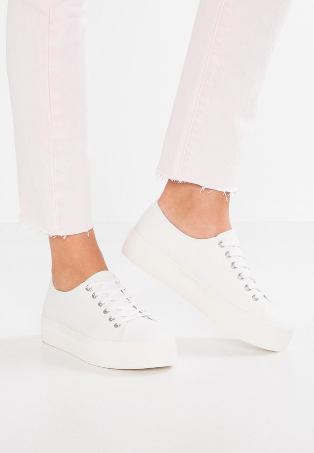 PEGGY - Sneaker low - white