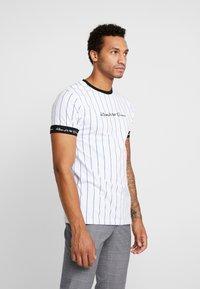 Kings Will Dream - CLIFTON - T-shirts med print - white/cobolt - 0