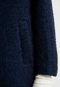 Nümph - NUMAYZILLE JACKET - Zimní kabát - dark saphire - 5