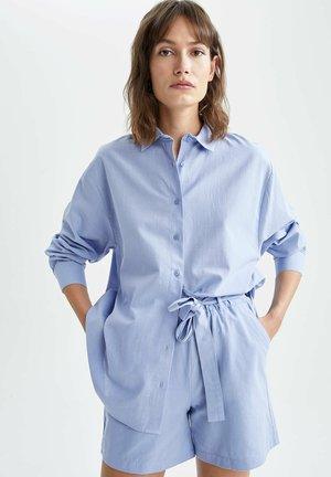OVERSIZED - Camisa - blue