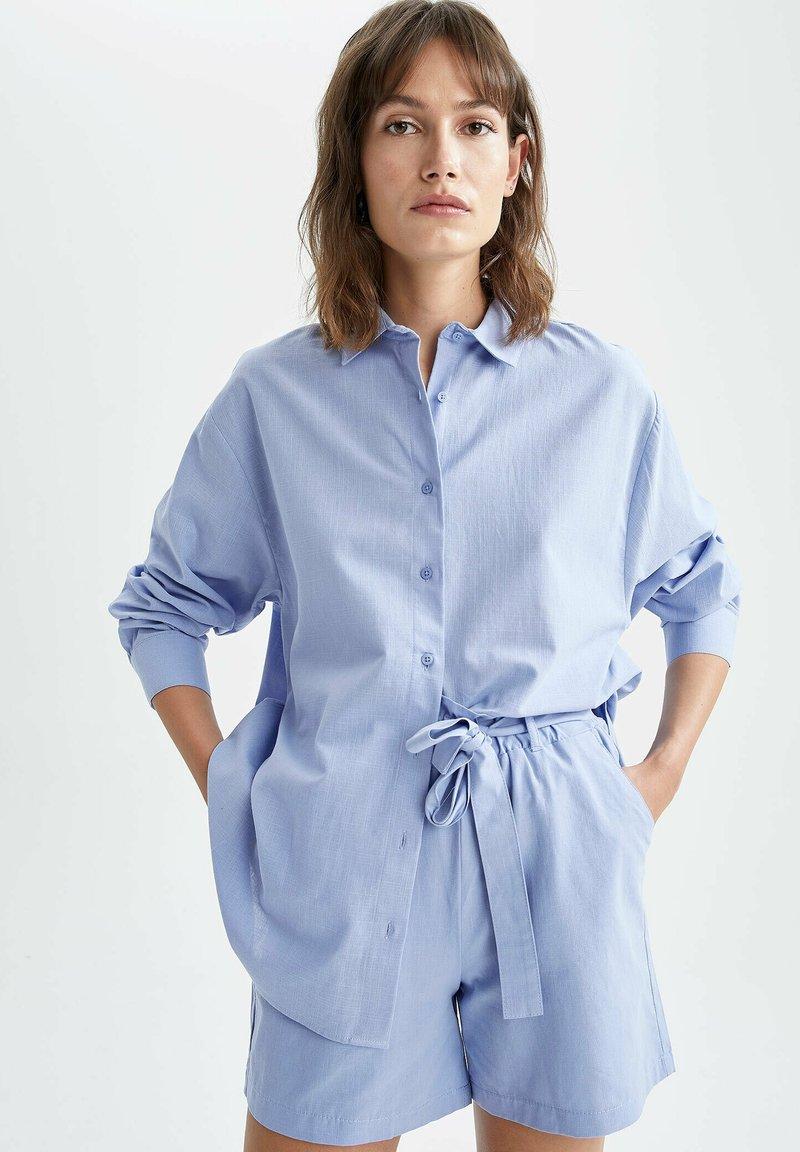 DeFacto - OVERSIZED - Button-down blouse - blue