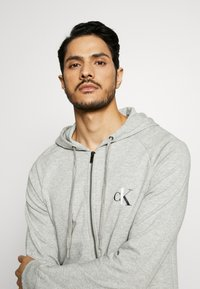Calvin Klein Underwear - LOUNGE FULL ZIP HOODIE - Pyjamapaita - grey - 3