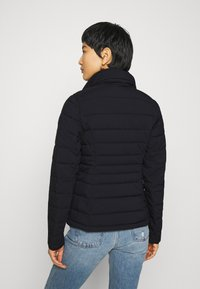 Abercrombie & Fitch - PACKABLE PUFFER POLY - Giacca da mezza stagione - black - 3