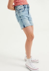 WE Fashion - Jeans Short / cowboy shorts - light blue - 1