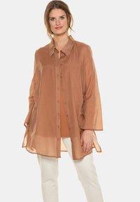 Ulla Popken - Button-down blouse - zimt - 0