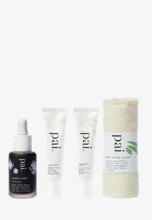 DOUBLE CLEANSE BUNDLE - Skincare set - mixed