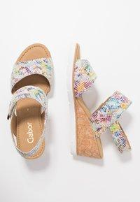 Gabor - Sandály na klínu - multicolor - 3