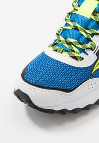 Saucony - EXCURSION TR13 - Tenisky - blue/citron/black - 5