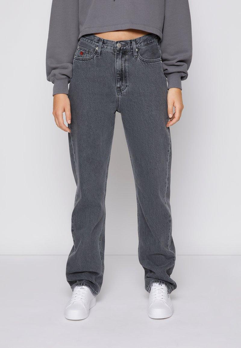 Calvin Klein Jeans - HIGH RISE STRAIGHT - Straight leg jeans - denim grey