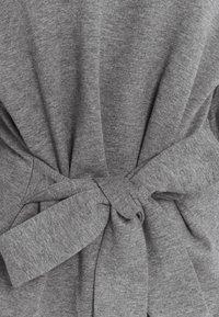 Lounge Nine - WILMA TIEBELT - Sweatshirt - dark grey melange - 6