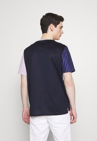 Paul Smith - GENTS OVERSIZE STRIPED SLEEVE - T-shirt imprimé - dark blue - 2