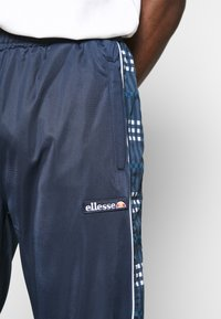 Ellesse - ARCOLE - Pantalones deportivos - navy - 4