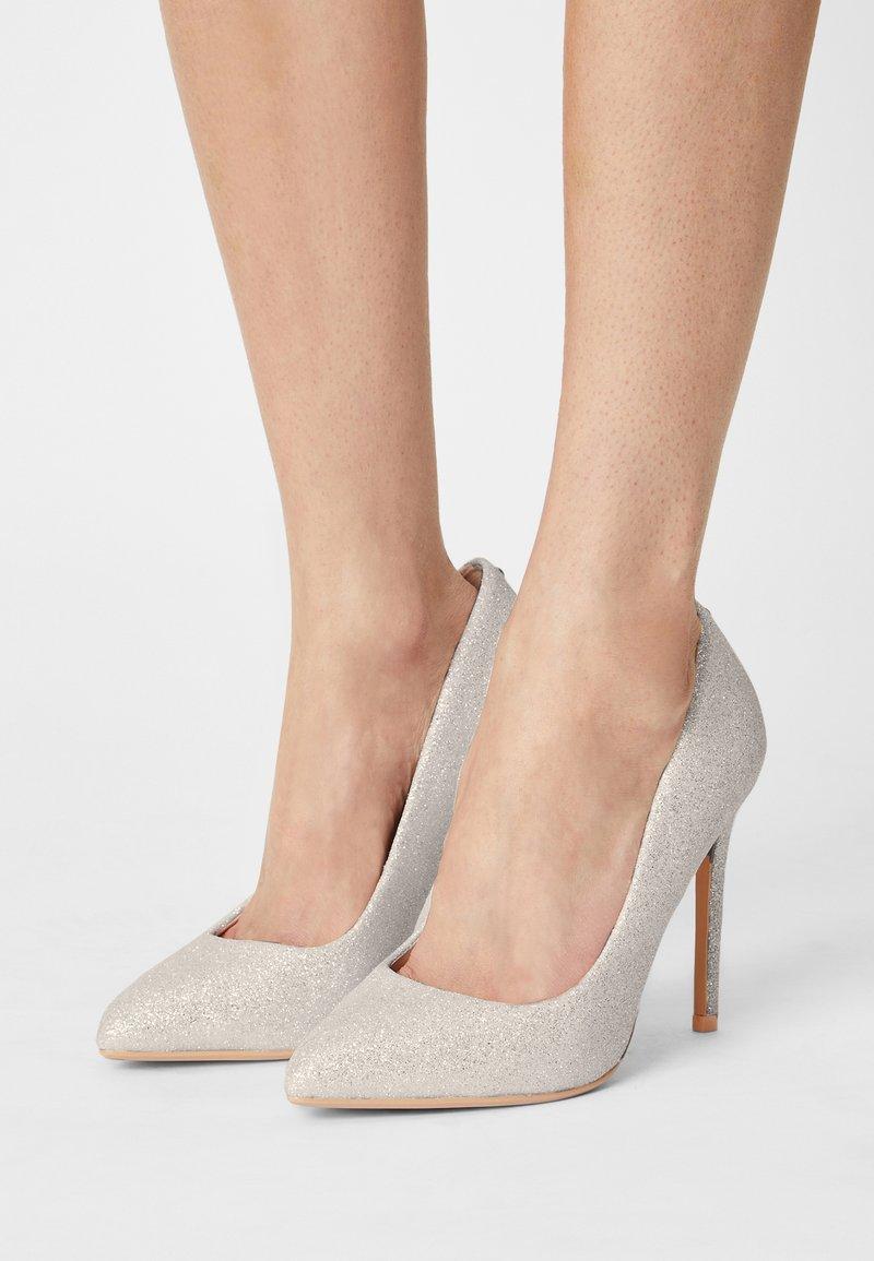 Buffalo - KIRA - High heels - white