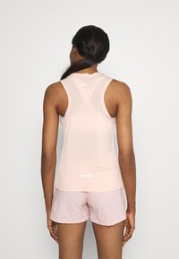 The North Face - UP WITH THE SUN TANK  - Toppi - evenng sand pink - 2