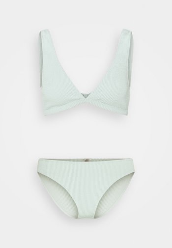 Bikini - green light