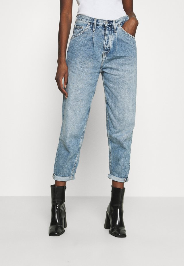 BAGGY - Relaxed fit jeans - denim light