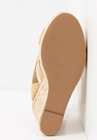 Steve Madden - SHIMMY - Sandales à talons hauts - natural - 6