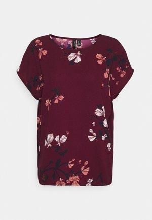 VMHALLIE NEW - T-shirt con stampa - dark red