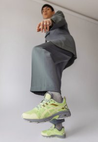 ASICS SportStyle - HN1-S GEL-VENTURE™ 7 - Trainers - lime green/huddle yellow - 0