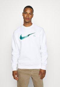 Nike Sportswear - ZIGZAG CREW - Sweatshirt - white - 0