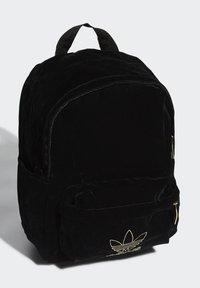 adidas Originals - SMALL VELOUR ADICOLOR - Batoh - black/gold met. - 2