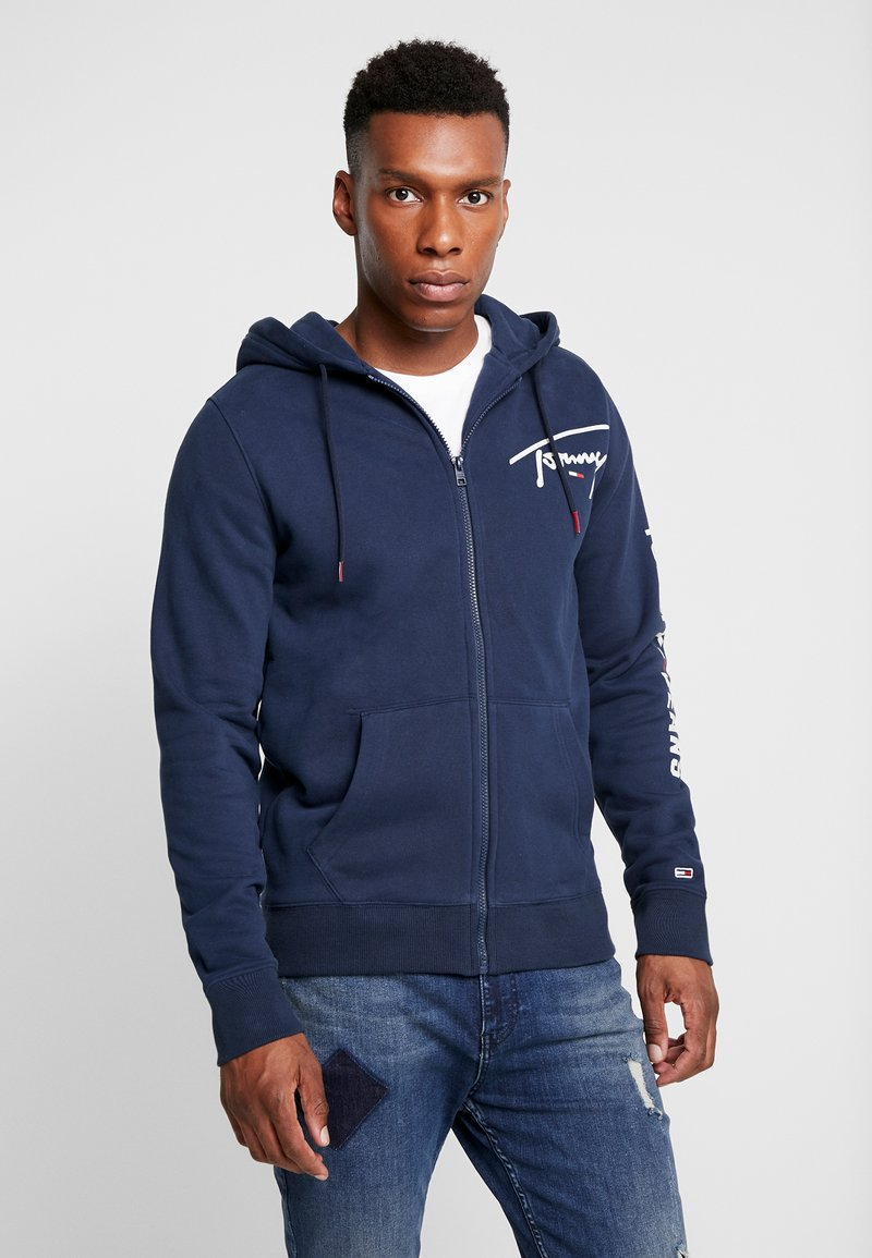 Tommy Jeans - SCRIPT ZIP THROUGH - Sudadera con cremallera - black iris