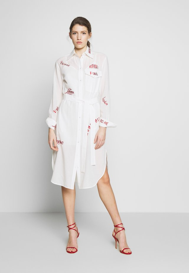 CITY EMBROIDERED SHIRT DRESS - Abito a camicia - white