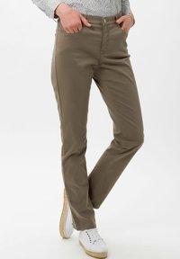 BRAX - STYLE MARY - Trousers - khaki - 0