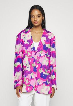 Krótki płaszcz - lilac/purple bright