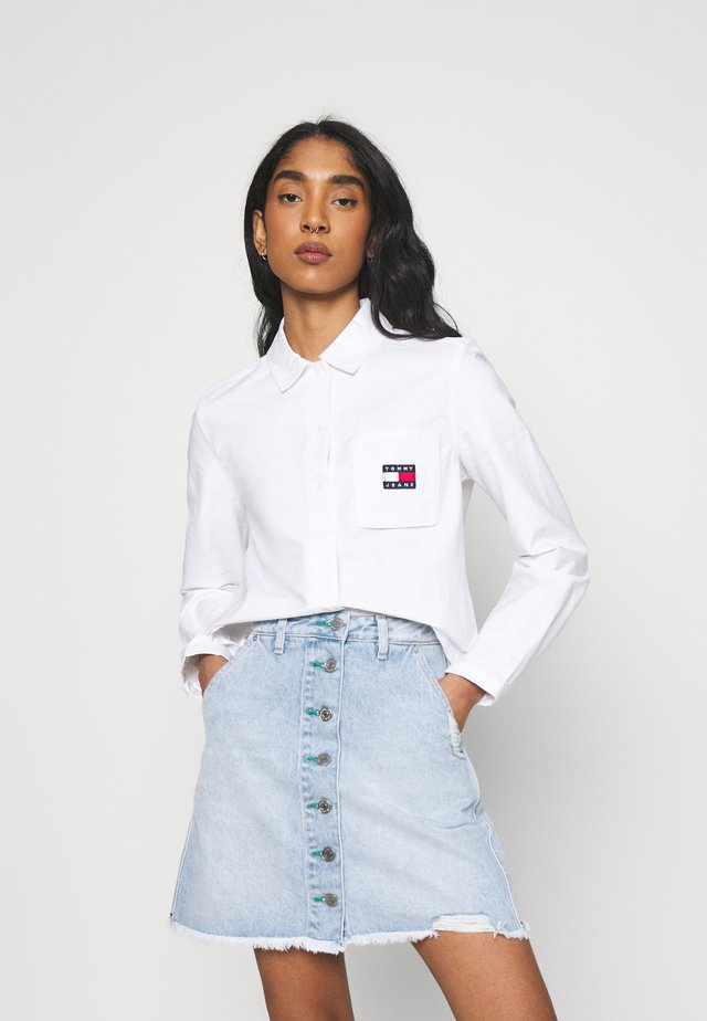 REGULAR BADGE SHIRT - Button-down blouse - white