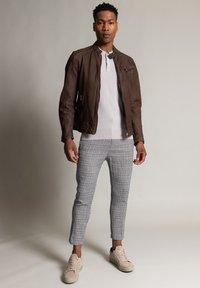Autark - Leather jacket - dunkelbraun - 1