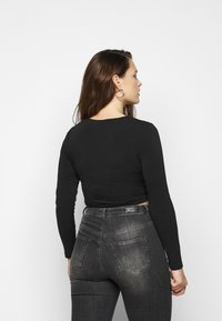 Pieces Curve - PCJIANNA CROPPED - Long sleeved top - black - 2