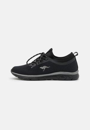 KN-BLEAK - Sneakers laag - jet black
