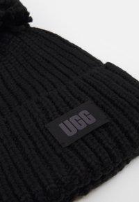 UGG - CHUNKY BEANIE POM - Bonnet - black - 2