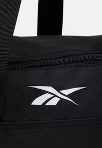 Reebok - ACT CORE GRIP - Sports bag - black - 4