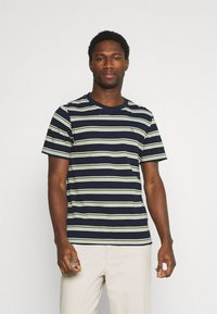 Casual Friday - THOR STRIPE TEE - Print T-shirt - navy blazer - 0