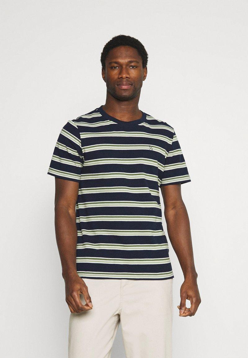 Casual Friday - THOR STRIPE TEE - Print T-shirt - navy blazer