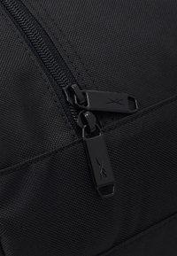 Reebok - ACT CORE GRIP UNISEX - Treningsbag - black/black - 5