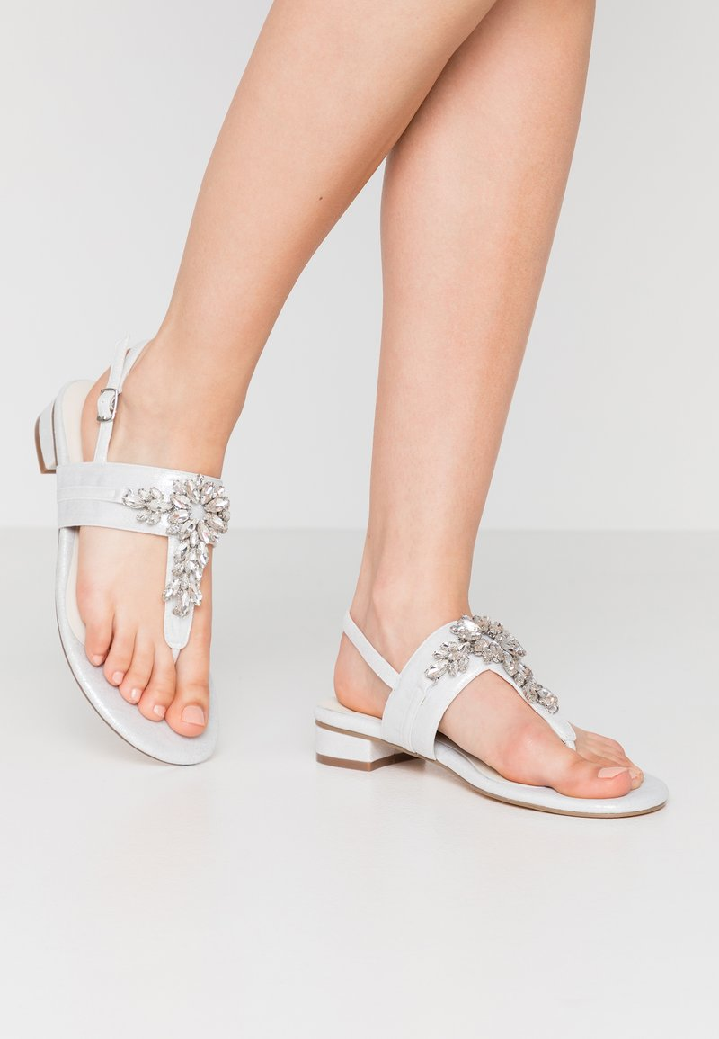 Menbur - T-bar sandals - ivory