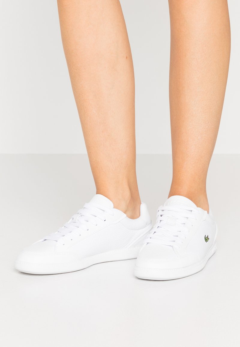 Lacoste - GRADUATE CAP - Baskets basses - white