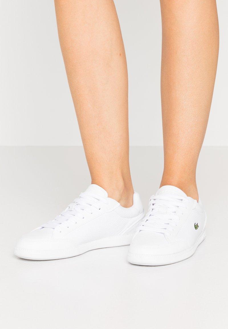 Lacoste - GRADUATE CAP - Tenisky - white