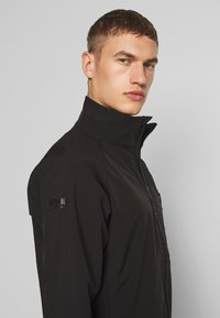 8848 Altitude - CAREZZA JACKET - Giacca softshell - black - 3