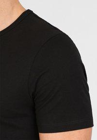 Jack & Jones - JACBASIC CREW NECK TEE 2 PACK  - Undershirt - black - 3
