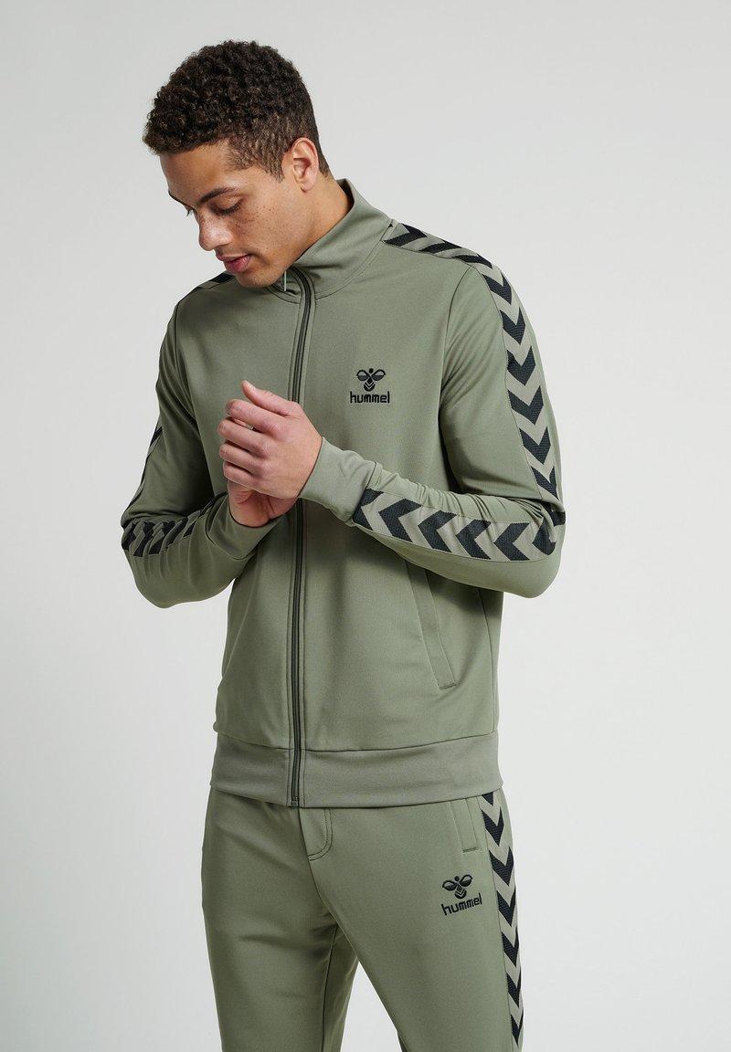 Hummel - Zip-up hoodie - vetiver